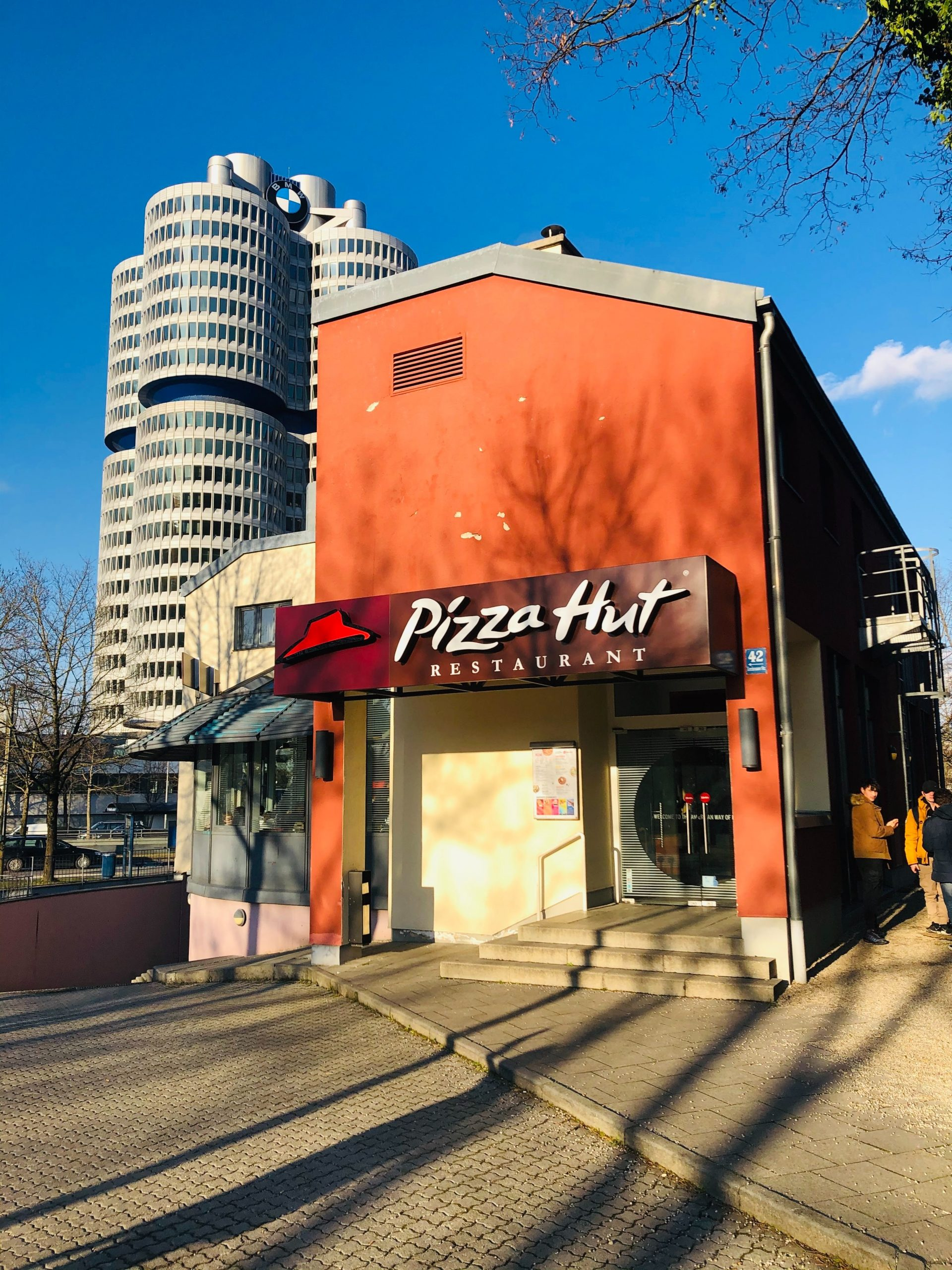 Pizza Hut is developing an AI that will recommend food to you based on your local weather
